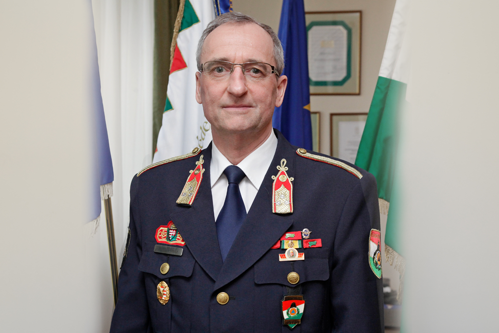 Dr. habil Vass Gyula PhD egyetemi docens fotója