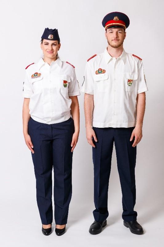 A társasági ruházat ingblúzzal kép kattintásra nagyítható
