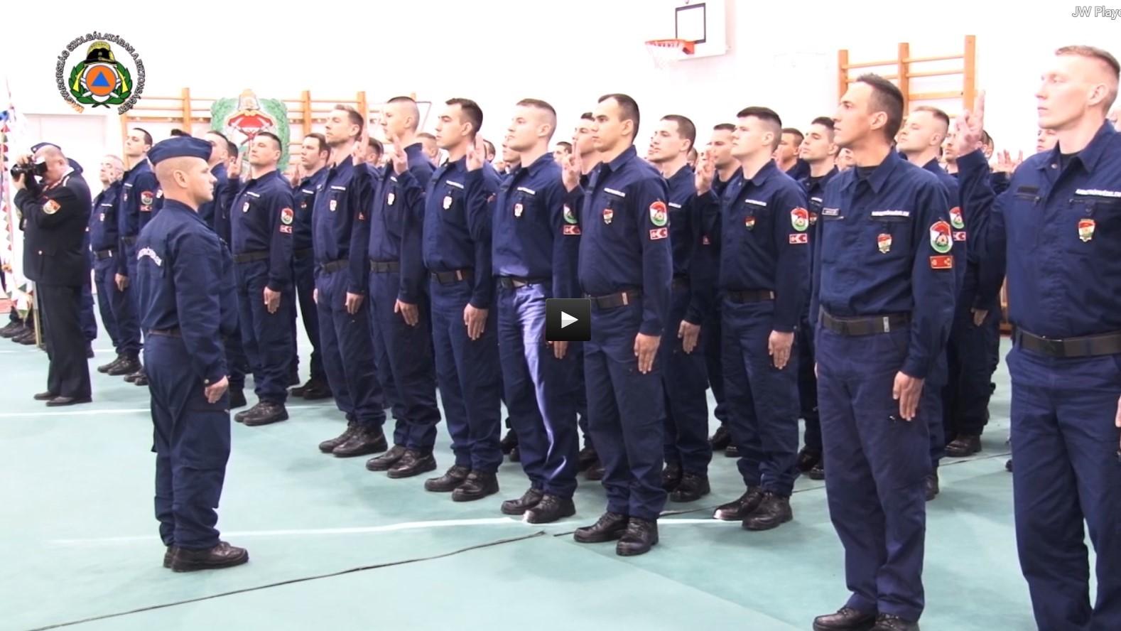 Több mint nyolcvanan tettek tiszthelyettesi fogadalmat