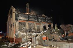 Kiégett ház, csupasz falak